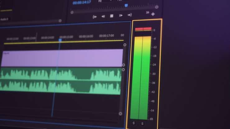 Cách bật Audio Meters cho từng Track trong Premiere Pro