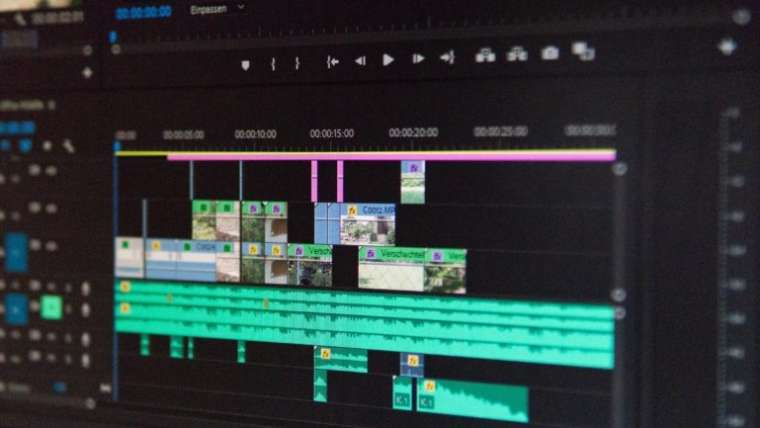 Đóng khoảng trống trong Sequence Premiere Pro